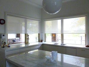 transparante rolgordijnen keuken